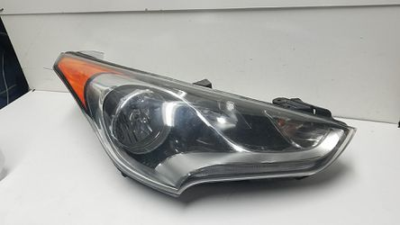Hyundai Veloster right headlight 2016 for Sale in South Gate,  CA