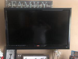 "Vizio 47"" 1080p LCD HDTV smart app flatscreen for Sale in Sebring, FL"