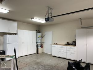 White garage cabinet set for Sale in Fresno, CA
