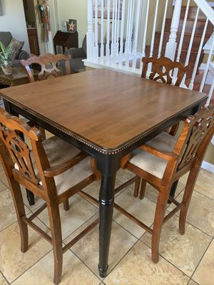 KITCHEN TABLE SET WITH FOUR CHAIRS for Sale in Etiwanda, CA