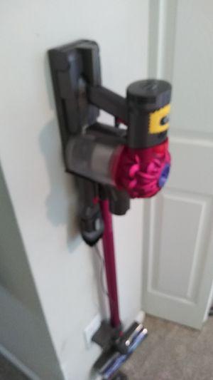 Dyson V7 Motorhead cord free vacumn for Sale in Marietta, GA