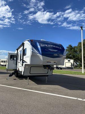 Keystone SPRINGDALE 28ft for Sale in Dover, FL