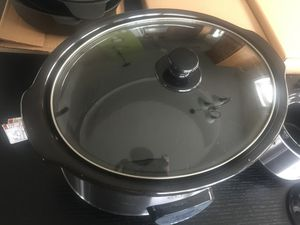 Never used! 6.5 Quart Slow Cooker with Mini Crock Pot - Black/Silver for Sale in Elkridge, MD