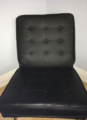 Leather chair for Sale in Daly City, CA