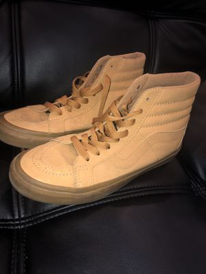 Vans Boot (Size 6) & (Size 5 1/2) for Sale in Miami Beach, FL