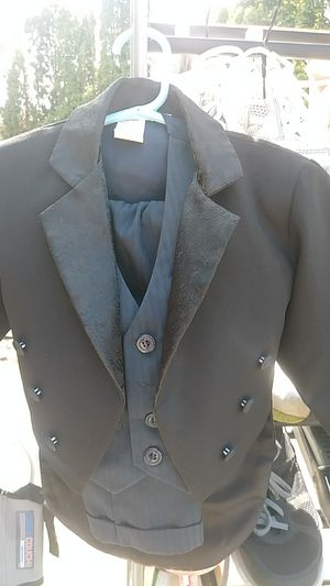 18M Suit for Sale in Forest Grove, OR