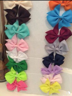 Girl hair bows clip 20 pieces/ 3 inches for Sale in Los Angeles, CA