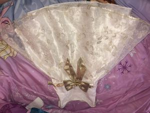 Cute cream dress with gold bow infront for Sale in Richmond, CA