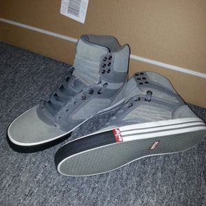 [Mint] Levis High Top Shoes (Size 9.5) for Sale in Philadelphia, PA