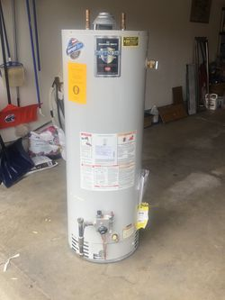 Great Condition Hot Water Tank for Sale in Newburgh Heights,  OH