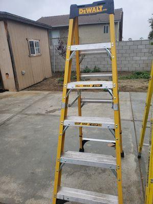 Dewalt 6ft ladder for Sale in Rialto, CA