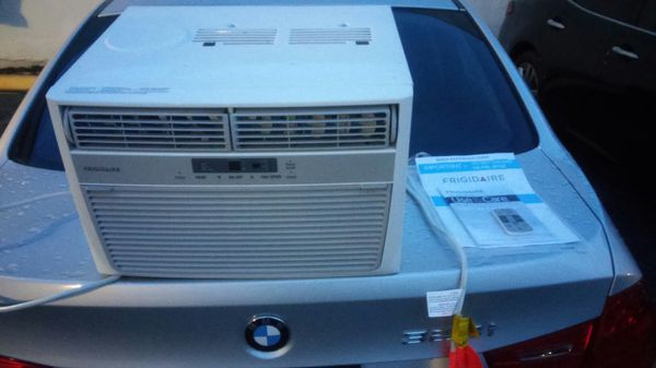 Frigidaire window room ac Unit with remote 8,000 btu