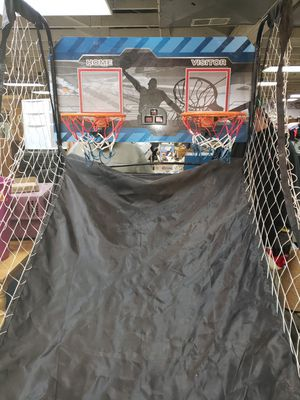 Pop a shot type basketball game for Sale in Wellington, CO