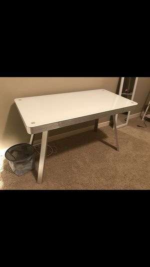 White Computer Table for Sale in Hillsboro, OR