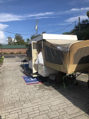 Coleman pop up camper. for Sale in Salem, OH