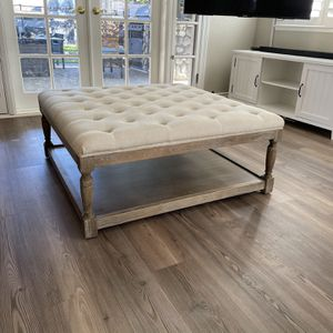 Tufted Coffee Table/ Ottoman for Sale in Claremont, CA