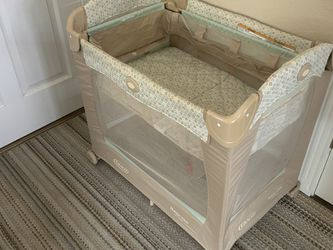 Travel Crib With Stages - Graco for Sale in Arvada,  CO