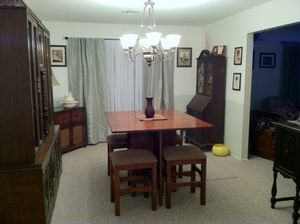 Dinning table for Sale in Visalia, CA