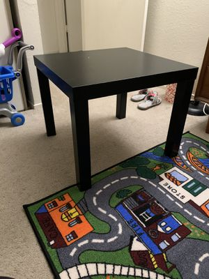IKEA small table for Sale in Newark, CA