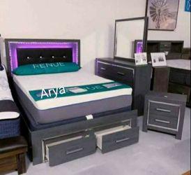 İn STOCK Ashley Spcl Ladonna Storage Bed Set for Sale in Alexandria,  VA