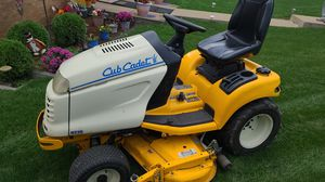 CUBCADET COMMERCIAL TRACTOR 3235 SERIES LOW HOURS 48inch for Sale in McKeesport, PA