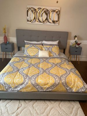 New in box king /queen/full size bed (no mattress) for Sale in Pflugerville, TX