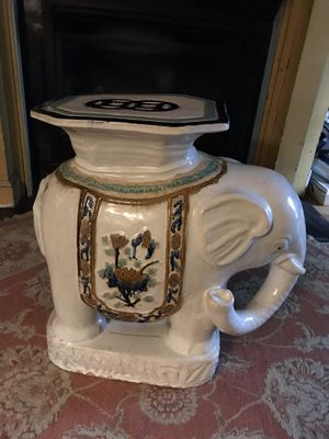 Elephant side table for Sale in Pittsburgh, PA