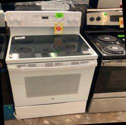 GE Electric Oven/Stove JBS60DKwW 30 In 5.3 T for Sale in Murrieta,  CA
