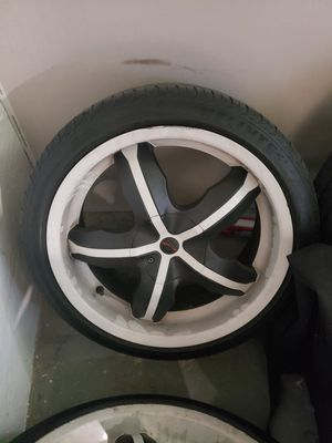 18 inch platinum rims. for Sale in Aliquippa, PA