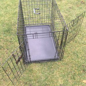 """Medium Wire Double Door Dog Kennel 30.5"""" L x 19.5"""" W x 21.25"""" H for Sale in Anderson Island, WA"""