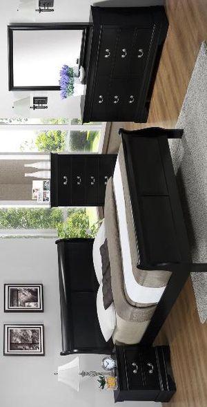 Black Bedroom set 4 piece queen size (bed, nightstand, Dresser, mirror) for Sale in Houston, TX
