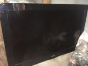 Watch 32 inch TV like a BOSS for pennies on the dollar!! for Sale in Queens, NY