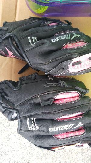 Kid softball glove for Sale in Edgewood, WA