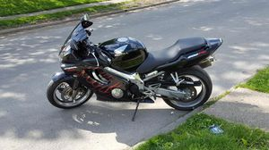 Honda CBR has very low miles 11,000 miles a nice bike at great price black/ red flames all chrome (frame and wheels)! $2500 obo for Sale in Columbus, OH