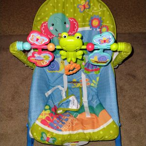 Fisher Price Vibrating Baby Chair W Toys Washable for Sale in Duluth, GA