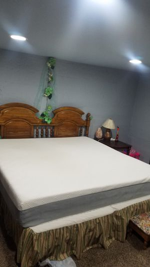 King size bed for Sale in Kennewick, WA