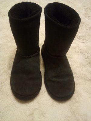 Size 2 kids black Ugg Boots for Sale in Clovis, CA