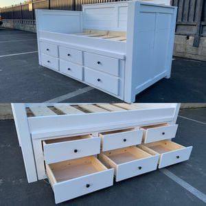 New Twin Size White Daybed with Storage Drawers. Color and handles can be changed! for Sale in South Gate, CA