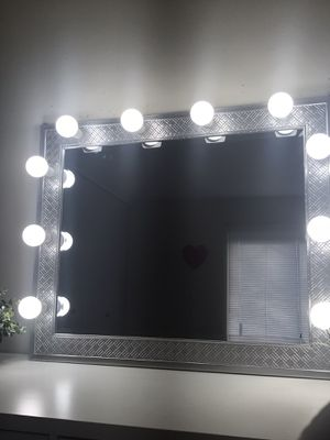 NEW LUXURY MAKEUP VANITY MIRROR WITH LIGHTS for Sale in Downers Grove, IL