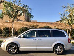 7 pasajeros minivan for Sale in Ontario, CA