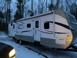 2012 zinger by crossroads 31sb for Sale in Kingston, NH