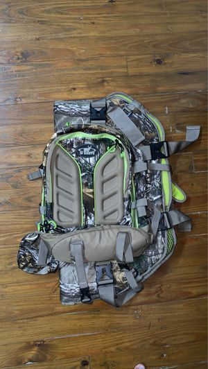In Sights Compound Bow Carrier Pack in RealTree Camo for Sale in Columbus, OH