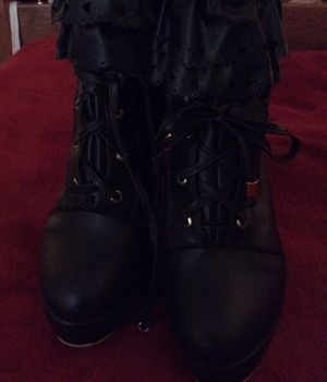 Frilly harajuku 4 inch heels, black, cute for Sale in Portland, OR