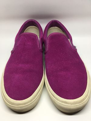 👟VANS unisex classic slip-on sneakers in suede for Sale in Chicago, IL