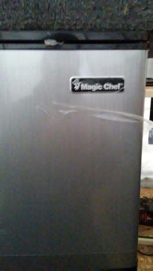 Magic Chef mini fridge freezer for Sale in Reed City, MI