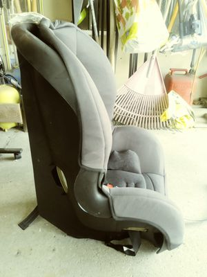 Child car seat for Sale in Dearborn Heights, MI