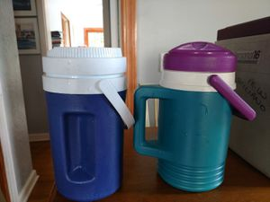 INSULATED HALF GALLON JUGS for Sale in Eastchester, NY