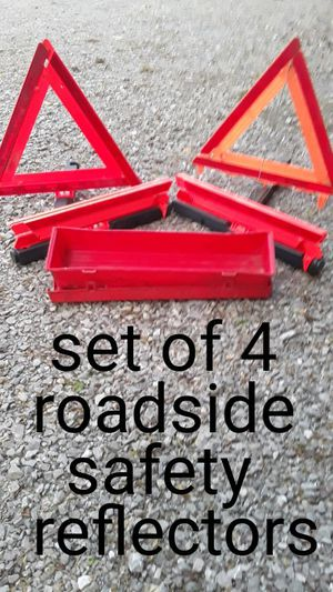 Set of 5 roadside safety reflectors in excellent condition for Sale in Lebanon, TN