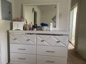 White Dresser With Mirror for Sale in Laurel, MD