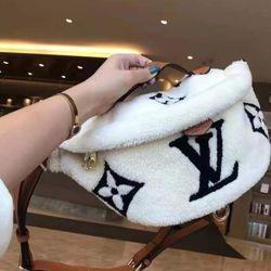 Fluffy Crossbody/Handbag/Waist Bag for Sale in Santa Ana,  CA